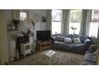 Lovely 2 Bedroom Ground Floor Flat with Courtyard in Sunny St Leonards Road