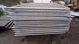HERAS FENCE W 3450mm X 2000mm H , ROUND TOP EXCELLENT CONDITION OR NEW ! FREE DELIVERY !