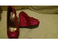 LADIES/GIRLS SPARKLY PINK WEDGE SHOES,SIZE 3 NEW.