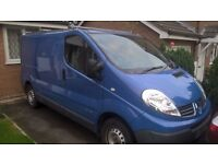 2010 Blue Renault Traffic II with SAT NAV and Roof Rack