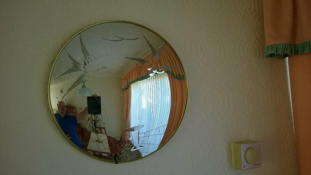 1950'S FEATURE CIRCULAR CONVEX PATTERNED MIRROR