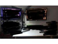"Samsung S24F350 24'' | AOC E2270SWDN - 22'' | VonHaus Dual Monitor Mount for 13-32"" Screens"