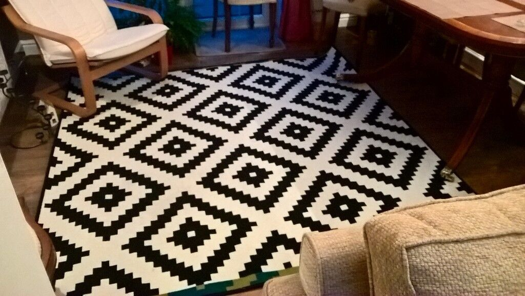 LAPPLJUNG RUTA Ikea black/white rug