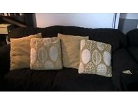 4 green and leaf cushions