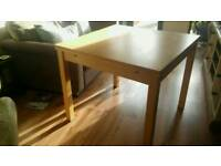 Dining table extending