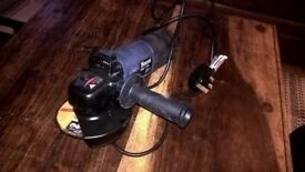 Ferm 750w corded angle grinder. £20