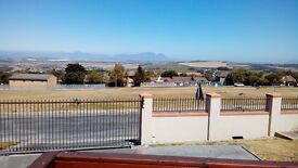 Stunning 2 bedroom apartment in the beautiful Winelands of Somerset West, SOUTH AFRICA