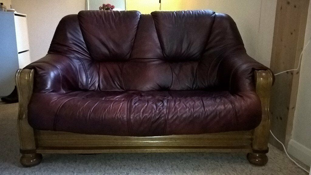 Remarkable Excellent Condition Two Seater Dark Red Leather Sofa In Hampshire Gumtree Creativecarmelina Interior Chair Design Creativecarmelinacom