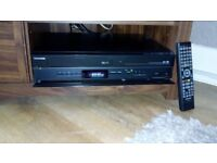 TOSHIBA DVD/VIDEO CASSETTE RECORDER DVR20KB