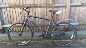 Great condition Pinnacle mountain bike black
