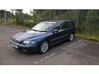 2002 Volvo V70 tow bar with 2 sockets. Great reliable car.
