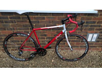 Aluminium road bike with Carbon Wheels - Large