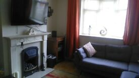 Room to rent in shared house _ professionals £400 Inc bills. In braunstone LE3 1NR