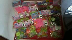 16 packs of loom bands