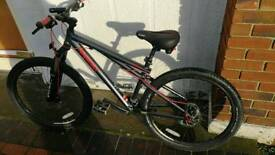 Gt chucker dirt bike jump bike mountain bike