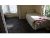 Attractive Ground Floor Studio Flat - Kirkstall Border
