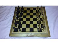Wooden Travel Chess Set with Draw for the Chess Pieces