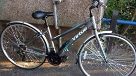 Ladies 21 speed bicycle (like new)