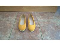 Clarks shoes , size 5 1/2