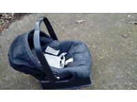 CAR SEAT Mamas & Papas Primo Viaggio car seat 0-13 Kg ONLY 17 £