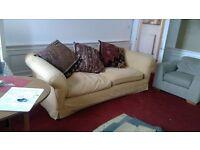 Most Excellent comfy, craftsman built sofa (Large)