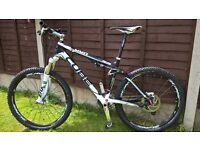 CUBE AMS PRO MOUNTAIN BIKE