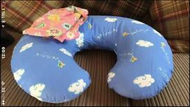 Boppy 3-in-1 sit me up, tummy time, breastfeeding pillow