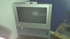 SONY 30 INCH TV WITH STAND