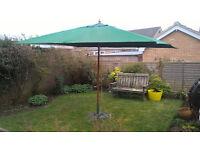 Large foldung sun parasol