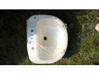New Ivory/Champagne Sink - £15