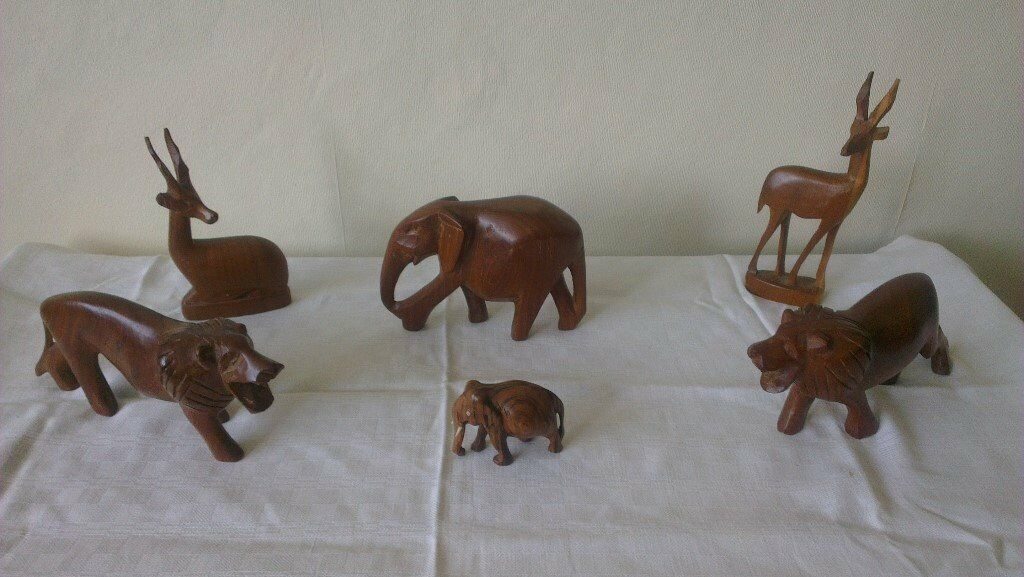 Carved Wooden Animals excellent condition just £6