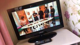 """Samsung 26"""" tv + original remote"""
