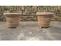 Pair of planter pots with feet