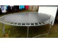 10ft trampoline £20
