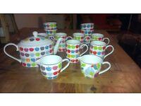 Whittard tea set - 6 handleless cups, 6 mugs, 2 jugs and a teapot - Apple design