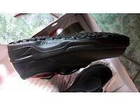 Italian leather, UK 7 Ladies Safety Shoes. Steel toe cap antibacterial lining, slip resistant £12.50