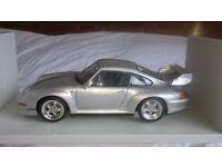 1 : 18 scale UT model Porsche 911 GT2 street model car