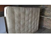 Nice king size mattress in good condition!