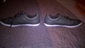 Size 6 grey leather converse trainers