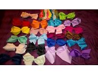 32 Coloured Hair Bows