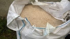 Bulk bag of Tuscany Beige harling chips,buyer collects