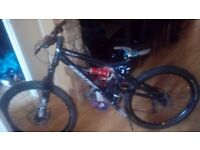 Santa cruz full suspension downhill Mountain bike