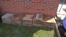 40 Buff coloured paving slabs 450 x 450mm