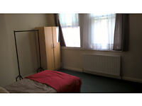 double room to rent use of bathroom kitchen 40 a day