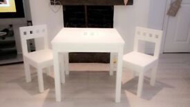 White Children's table & chairs set