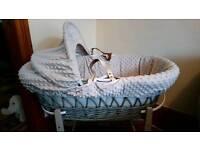 Grey Moses basket & rocking stand