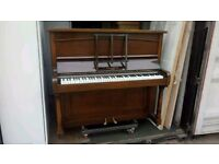 Beautifull Piano with delivery available