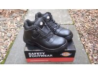 DICKIES SIZE 9 SAFETY BOOTS