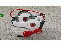 BEATS STYLE HEADSET BRANS NEW IN BOX