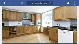 For Rent Beautiful 3 Bedroom house, dining kitchen , Garage and enclosed garden